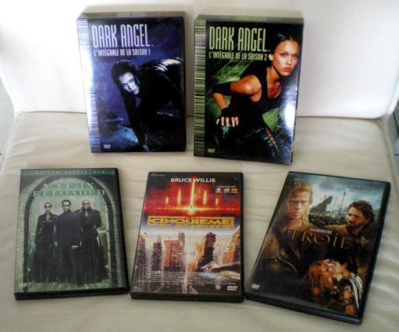 http://bazar-de-la-litterature.cowblog.fr/images/NouveauxArrivants2012/ARRIVANTS57DVDS.jpg