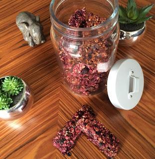 Barres de céréales fruits rouges et flocons d'avoine